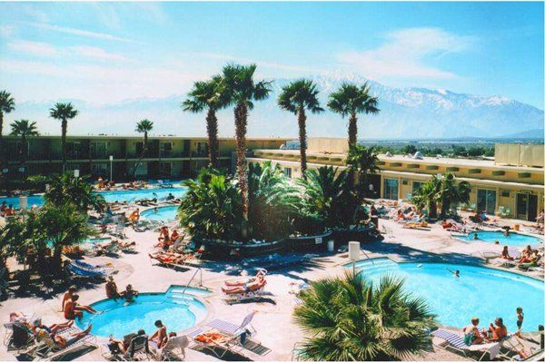 17 best images about palm springs fun on pinterest for Palm springs strip hotels