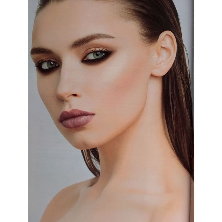 59 отметок «Нравится», 6 комментариев — Не парься! (@ne_parsya_zatarsya) в Instagram: «Один из самых трендовых макияжей сезона - АКЦЕНТ НА НИЖНЕЕ ВЕКО!  В книге @kryginabook, очень…»