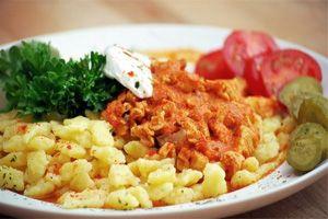 hungarian_cuisine_budapest.jpg (300×200)