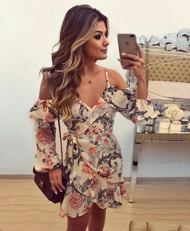 "9,743 Likes, 79 Comments - Blog Trend Alert (@arianecanovas) on Instagram: ""Vestido midi @estacaostore Aquele básico, nada básico que a gente ama! Modelo lindo que já tem loja…"""