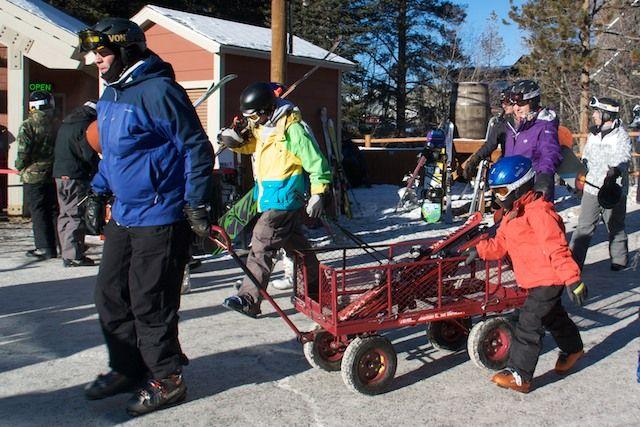 Travel tips for a budget-friendly ski trip. via @AmyQuerido