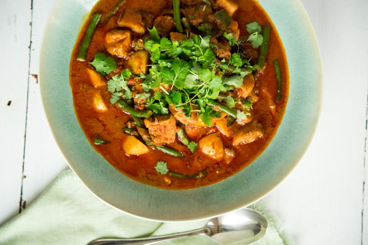 Quick South East Asian Chicken Curry By Nadia Lim