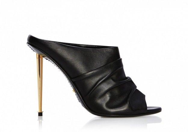 Sabot neriDalla collezione di scarpe Tom Ford primavera estate 2015, sabot neri.