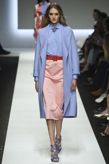 Look Rosa Quarzo e Azzurro Serenity per Ermanno Scervino - Look Rosa Quarzo e Azzurro Serenity per Ermanno Scervino. I due colori 2016 di Pantone sono perfetti anche da abbinare tra loro.