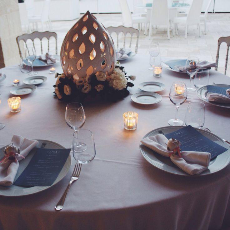 Wedding in Puglia, Italy. Stationary, flowers and much more. Blue Iris Eventi. Allestimenti con ceramiche Grottagliesi.