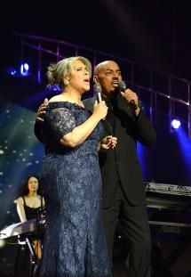 """15 R&B Duets Guaranteed To Enhance A Romantic Evening: April 1982 - 'Baby Come to Me"""" by James Ingram & Patti Austin"""