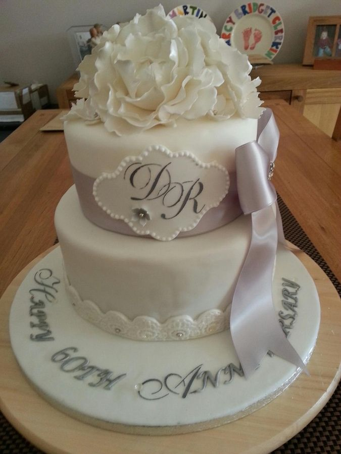 Best 25 60th anniversary cakes ideas on pinterest 50th for 60th birthday cake decoration