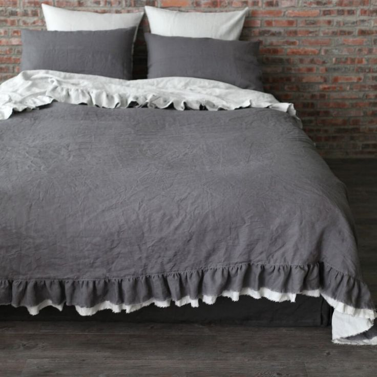 Best 25+ Ruffle bedspread ideas on Pinterest | Ruffle quilt ...