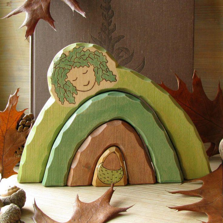 DRYÁDA DUBÁNKOVÁ - dřevěná hračka DRYÁDA DUBÁNKOVÁ - dřevěná hračka Jako máme my, lidé, každý svého anděla strážného, aby nad námi držel svá ochranná křídla a byl nám průvodcem na cestě za Poznáním, tak ani ostatní živí tvorové nejsou na svůj úděl na naší Zemi sami... ...Tak o stromy prý se starají Dryády - vzácné, staré a vznešené bytosti, ...