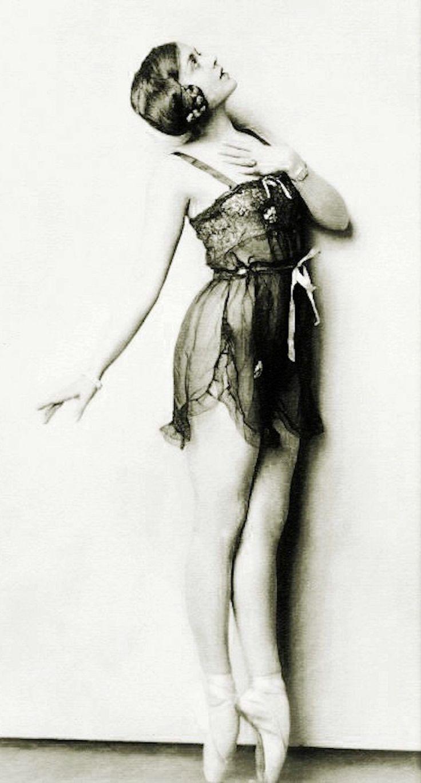 Irene Delroy - 1920's - Ziegfeld Follies Dancer - Photo by Alfred Cheney Johnston