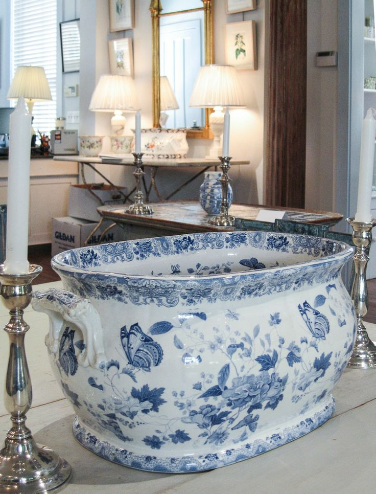 10723 best images about blue white on pinterest for White centerpieces for dining room table