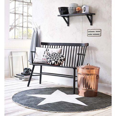 Runder anthrazitfarbener Teppich mit schickem fünfzackigem Stern in Weiß. #impressionen #living