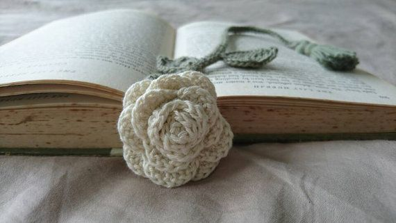 Check out this item in my Etsy shop https://www.etsy.com/se-en/listing/479792993/beautiful-rose-bookmark