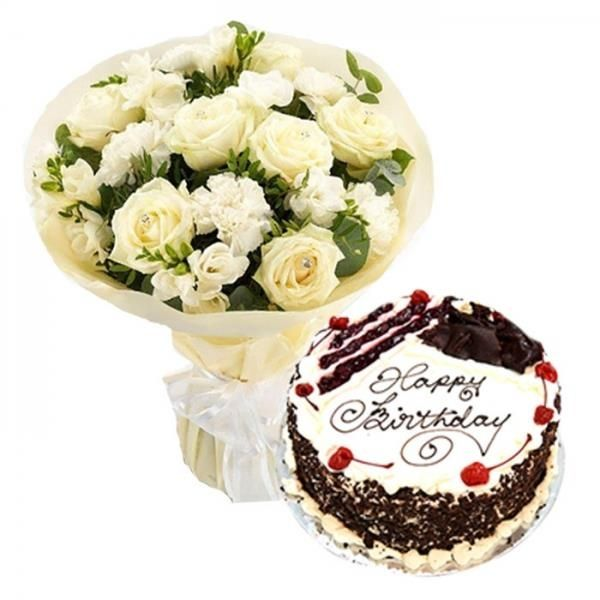 Maternal Affection And Love Birthday Cakes With Roses And Carnation Bouquet In 2020 Flower Bouquet Delivery Bouquet Delivery Flower Delivery