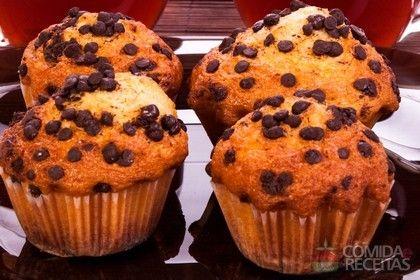 Receita de Muffins de chocolate com gotas em receitas de doces e sobremesas, veja essa e outras receitas aqui!