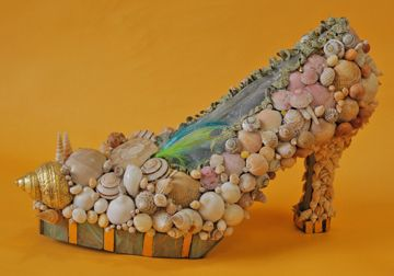 Candace Bahouth #art #sculpture #shoes http://artsyforager.wordpress.com/2011/09/16/friday-faves-artsy-accessories/