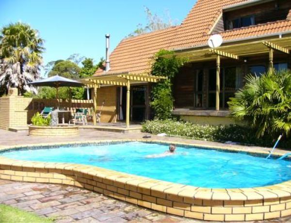 Kumeu Holiday Apartment Rental - 1 Bedroom, 1.0 Bath, Sleeps 2