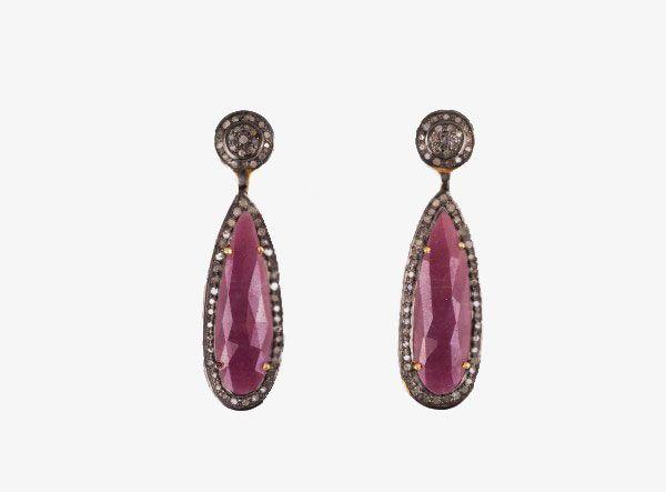 Earrings With Pear Shaped Rubies And Diamonds Σκουλαρίκια με πουάρ ρουμπίνια και διαμάντια από οξειδωμένο και επιχρυσωμένο  ασήμι 925.Price: 650€