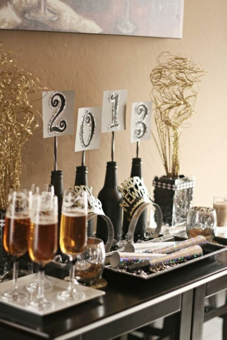 25 Luxury New Years Eve Decoration Ideas in 2020 New