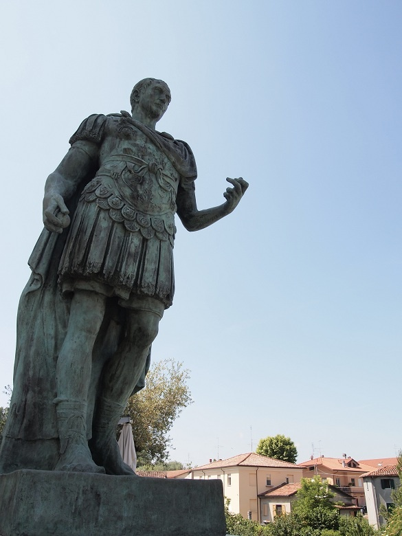 """""""Julius Caesar statues in Savignano sul Rubicone"""" - """"Exploring EmiliaRomagna. Crossing the Rubicon, bees and bikes, and the perfect town"""" by @keaneiscool"""