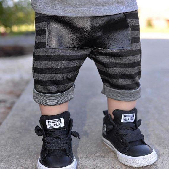 Venta Baby boy shorts / shorts de rayas de por PoshKiddosapparel