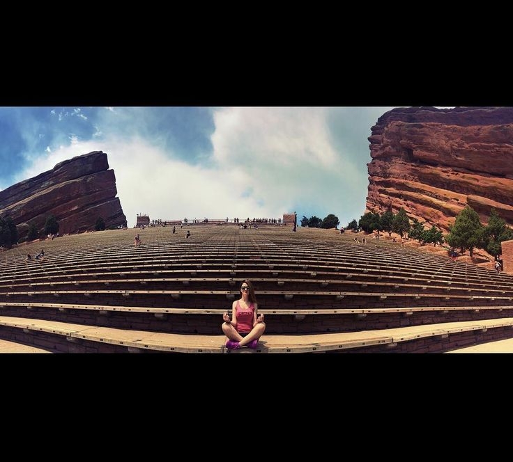 #ColoradoWomenWednesday Comment below if you've been to @redrocksamphitheater or tag a friend that you want to go with 👇 . . . 🌎: Red Rocks Park and Amphitheater 📷: @christine.klm #ColoradoColony #Colorado #ColoradoLife #ColoradoLove #ColoradoNews #CO #ColorfulColorado #ColoradoHiking