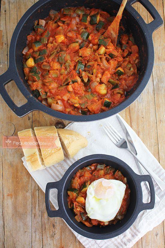 Receta paso a paso para hacer pisto manchego. Te enseñamos a preparar pisto, una receta saludable, perfecta para aprovechar verduras.