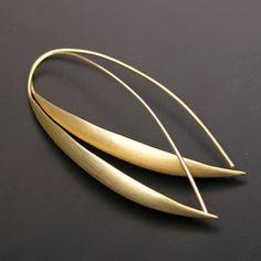 Earrings | Matin Designs. Écu gold