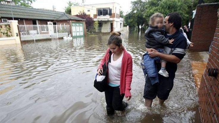 Alerta roja en Luján por una nueva crecida del Río: hay 1400 evacuados___ que noticias por la inundacion DIOS MIO!!....TERRIBLEEE!!!