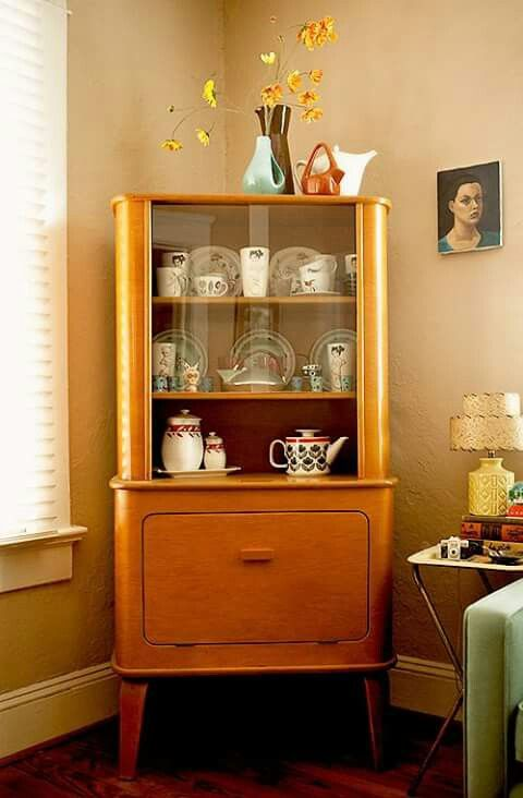 Thaden Jordan China Cabinet 50s. (Thaden Jordan Furniture Corporation, Roanoke, VA, by Herbert von Thaden)