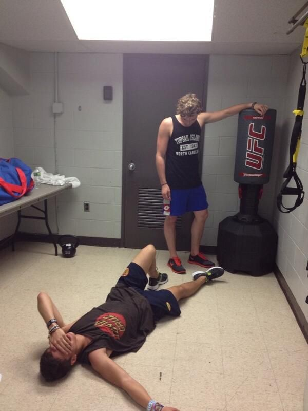 5sos at the gym Calum represents me when I work out<<<<< I don't even get to the working out part