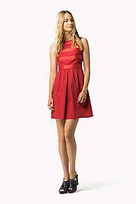 Shop de katoenen mouwloze jurk en verken de Tommy Hilfiger jurken collectie voor dames. Gratis retourneren & verzending vanaf €50. 8719253249891