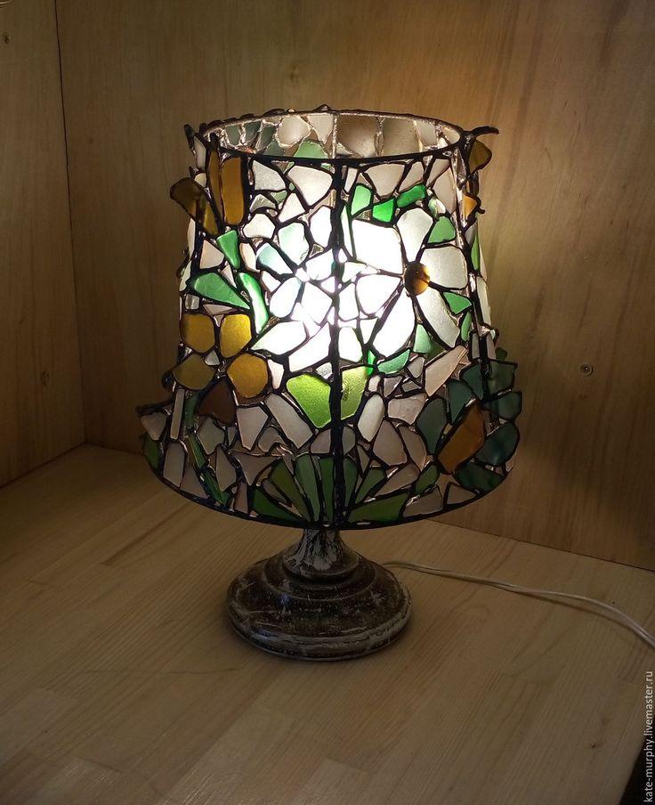 """Купить Настольная лампа """"Дикие цветы"""", витраж Тиффани из морского стекла - комбинированный"""