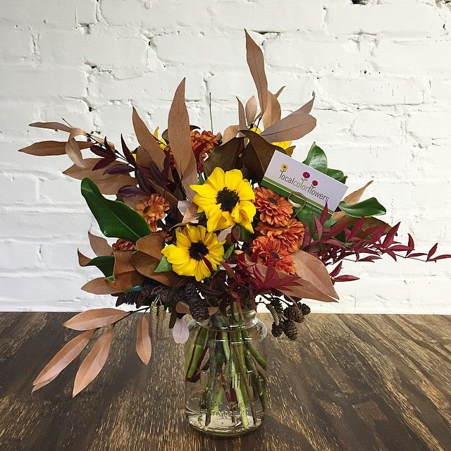 There's still time to order locally grown flowers for your Thanksgiving table!! Do it!!