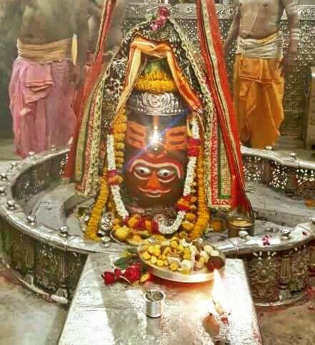 #Bhasma #Aarti pic of Shree #Mahakal #Ujjain - Apr. 09        . . .Follow our FB page: www.facebook.com/ujjaintravel   . . . #शिव #उज्जैन #महाकाल #ॐ #mahakal#mahakalcity #ujjain #loveujjain #ujjaindiaries#Mahakaleshwar #shiv #shivratri #shiva#omnamahshivay #bholenath #jaimahakal#jaibholenath #harharmahadev #mahadev #travel#tourism #MPTourism #ujjain_travel #temple