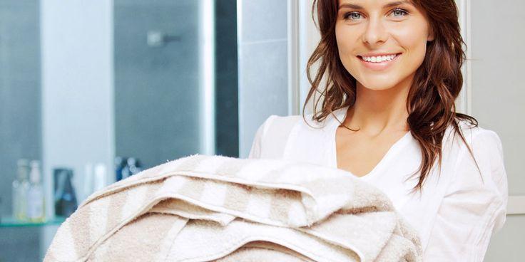 """HaushaltsFee-Leserin Püppi fragt: """"Wie bekomme ich harte Frottee-Handtücher wieder weich?"""""""
