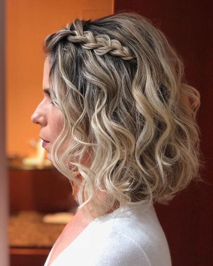 Penteado cabelo solto: 120 ideias + tutoriais para deixar o coque de lado | Penteados, Penteado pra cabelo curto, Penteado p cabelo curto