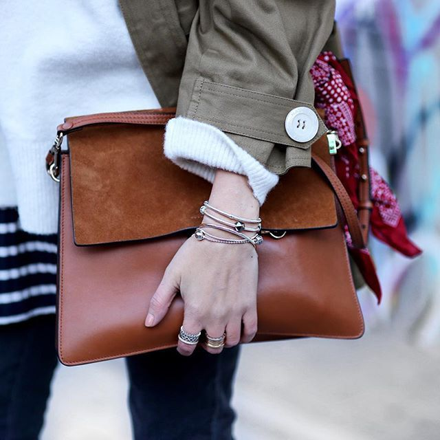 love the purse & jewelry