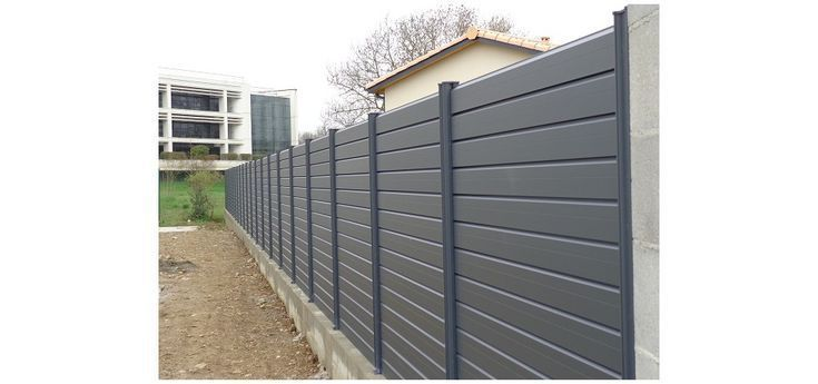 Cloture Aluminium Pas Cher Aluminium Cher Cloture Cloturedejardinpascher Pas Alumin In 2020 Cheap Fence Cool House Designs Aluminum Fence