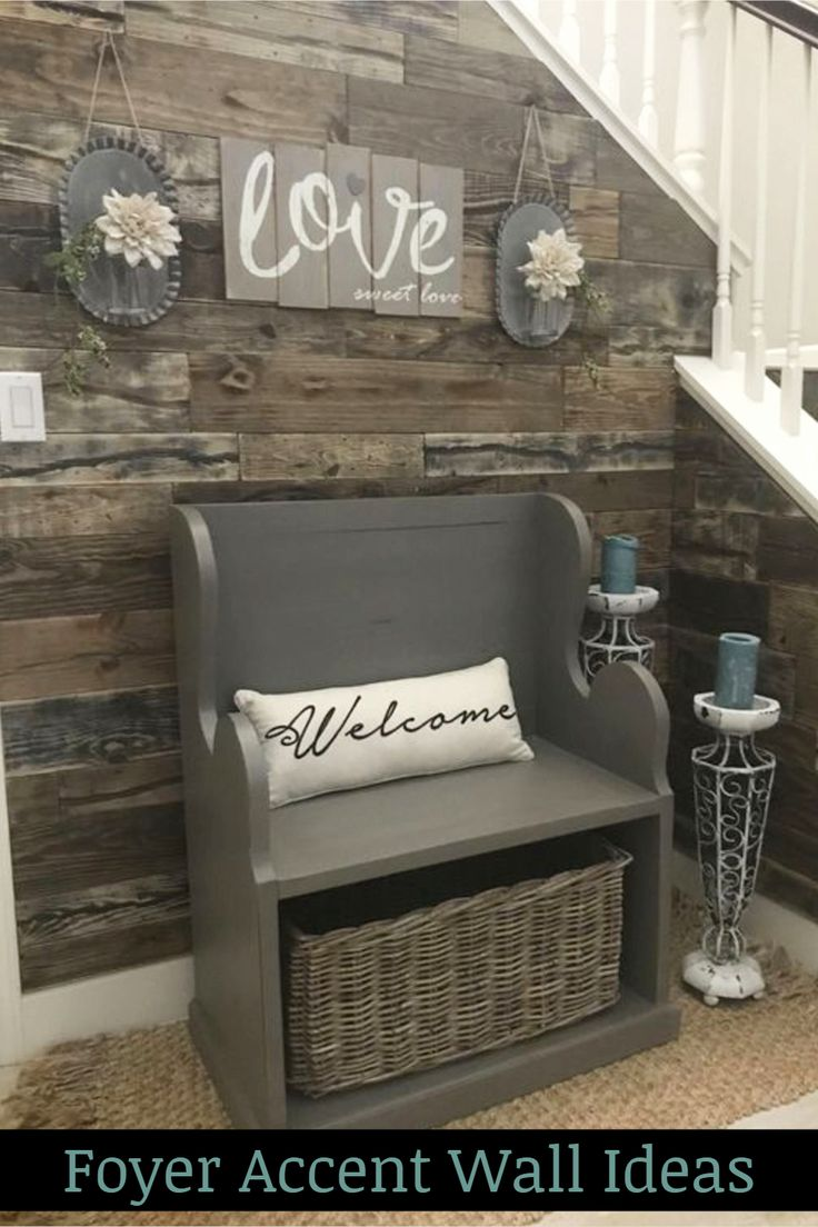 Foyer Accent Wall Ideas – LOVE this pallet wood accent wall in this small foyer …