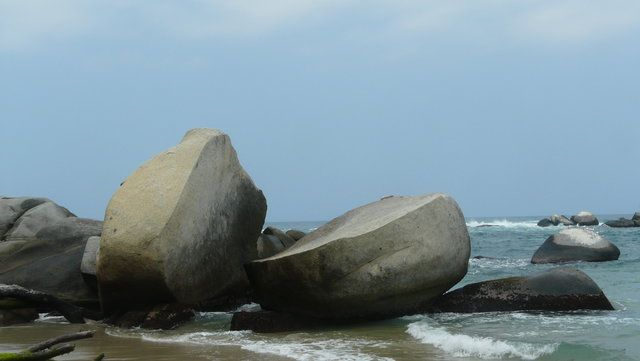 Geteilte Felsen im #Tayrona Nationalpark, #Kolumbien