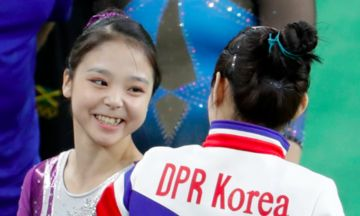South And North Korea Gymnast Selfie Scores A 10 For Diplomacy