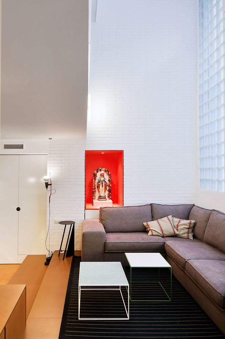 Clever Barcelona Apartment By Cirera Espinet Duplex ApartmentApartmentsSpanish InteriorBarcelonaVery CleverDesign Firms KitschBudget