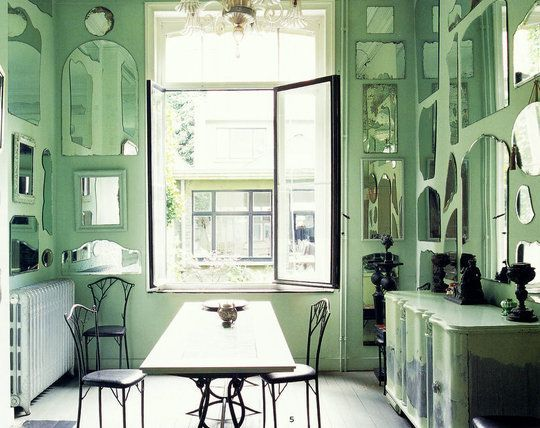whoa. in a good way.: Dining Rooms, Mintgreen, Mirror Mirror, Mint Wall, Wall Of Mirror, Green Kitchens, Mirror Wall, Green Rooms, Mint Green Wall