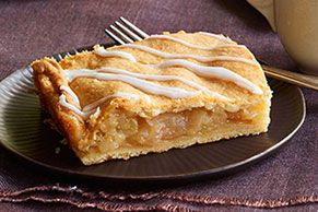 Ever try to serve 16 from a single apple pie? (Imagine the sad faces around the table!) This video shows you how to make Apple Pie Bars for a crowd.