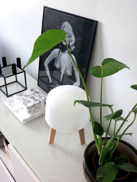 Via Plateful of Love | Na1 Milk Lamp | By Lassen Kubus | White