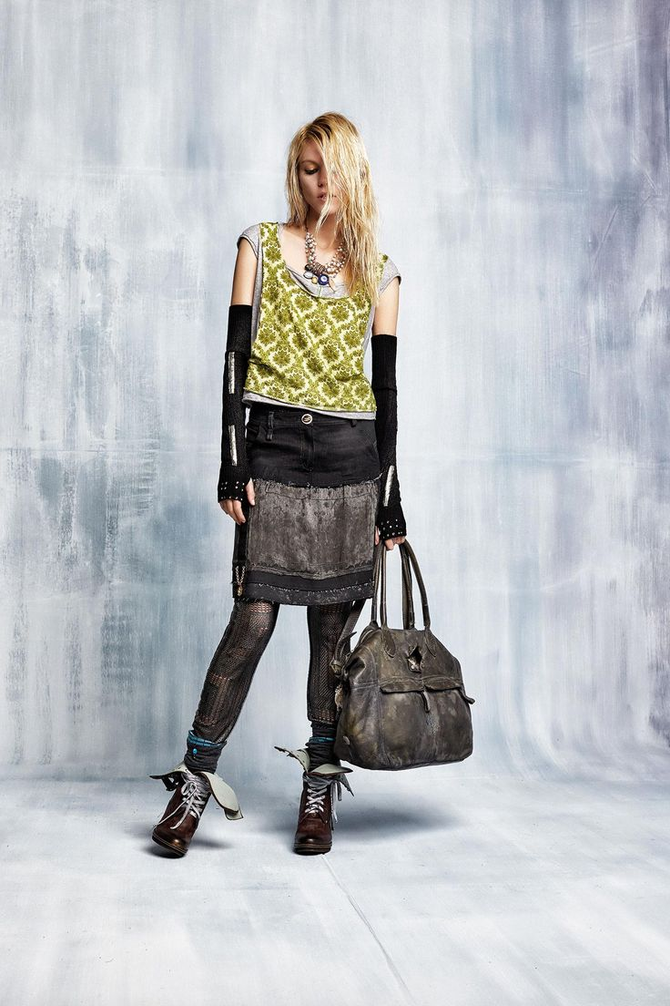 #danieladallavalle #collection #elisacavaletti #fw15 #green #grey #skirt #tanktop #bag #boots #necklace