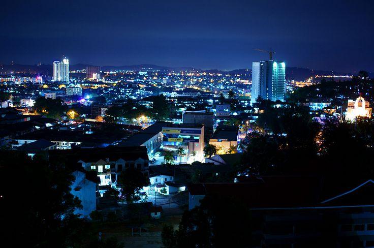 Melihat Keindahan Kota Batam dan Negara Singapura dari Atas Bukit Senyum