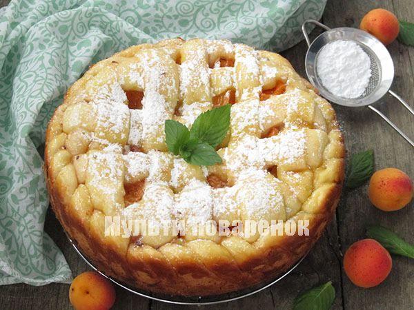 Готовый и остывший пирог можно посыпать сахарной пудрой