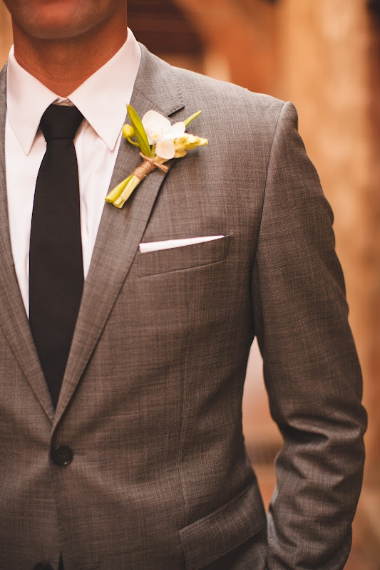 Stylish Neutrals for the Groom and Groomsmen || Autumn Wedding || Winter Wedding